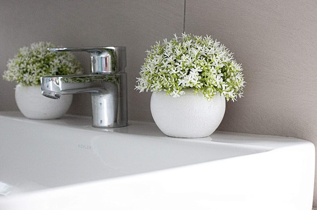 6 Tips on How to Decorate Your Kitchen with Artificial Flowers - 2021 Guide 4