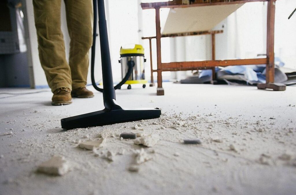 What Kind of Services Do Cleaning Services Offer? 6