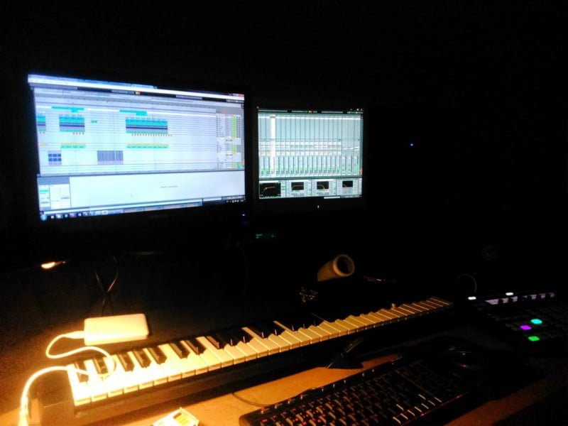 L. Studio Sessions by Mendes