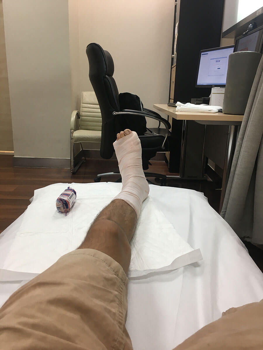 How to travel solo - broken foot in Asia