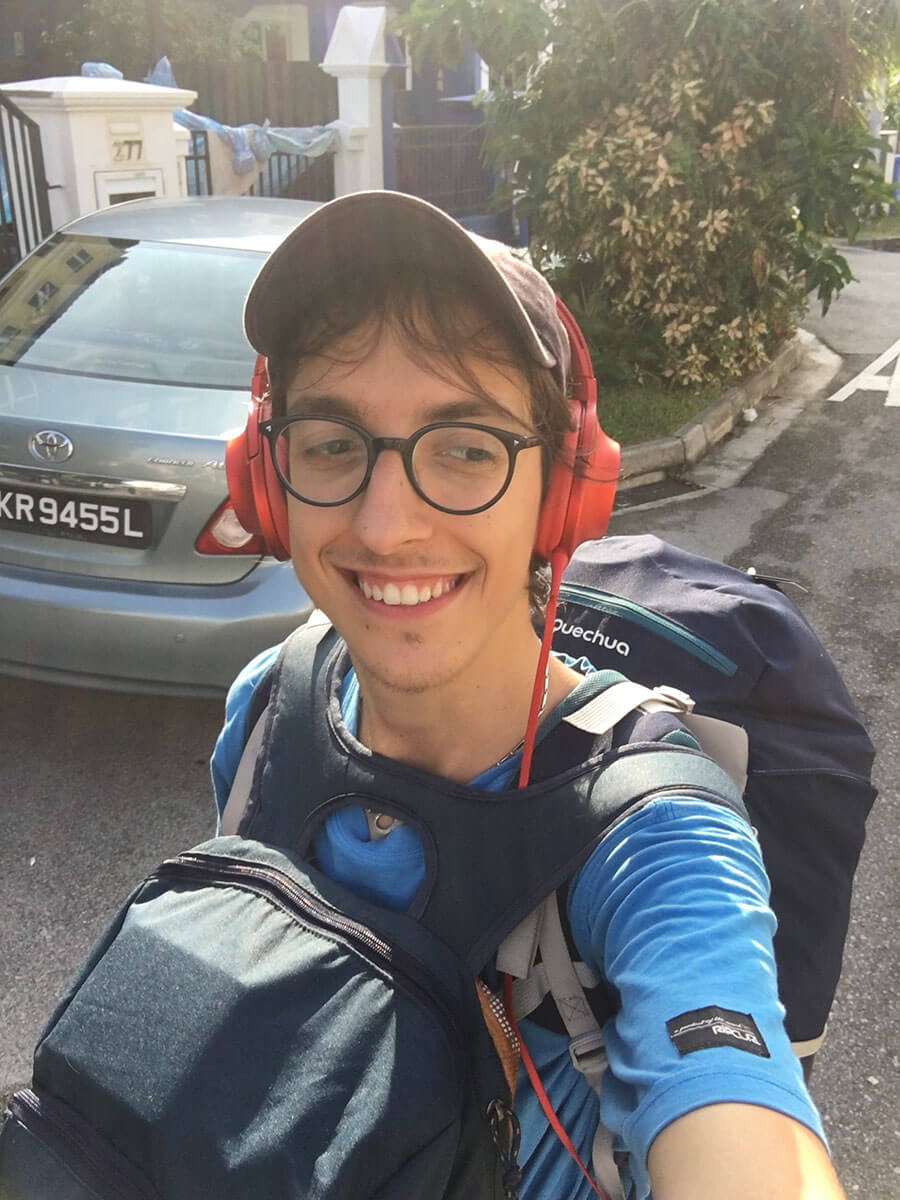 How to travel solo - pack light