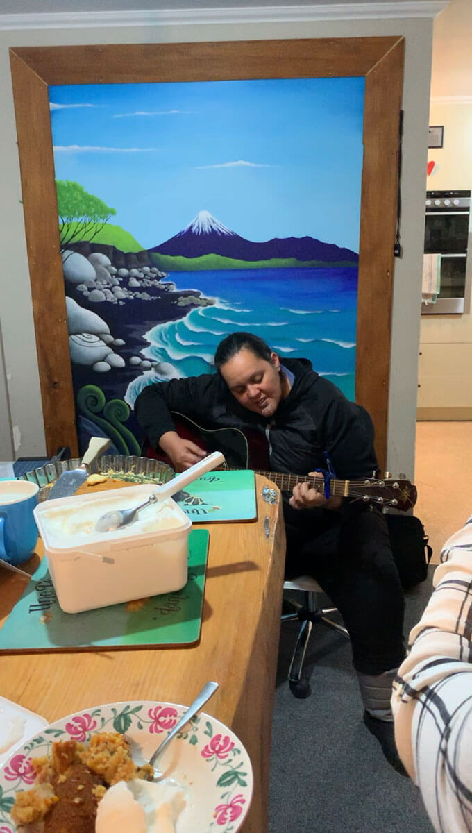 How to travel for free with Workaway - listening to Maori songs
