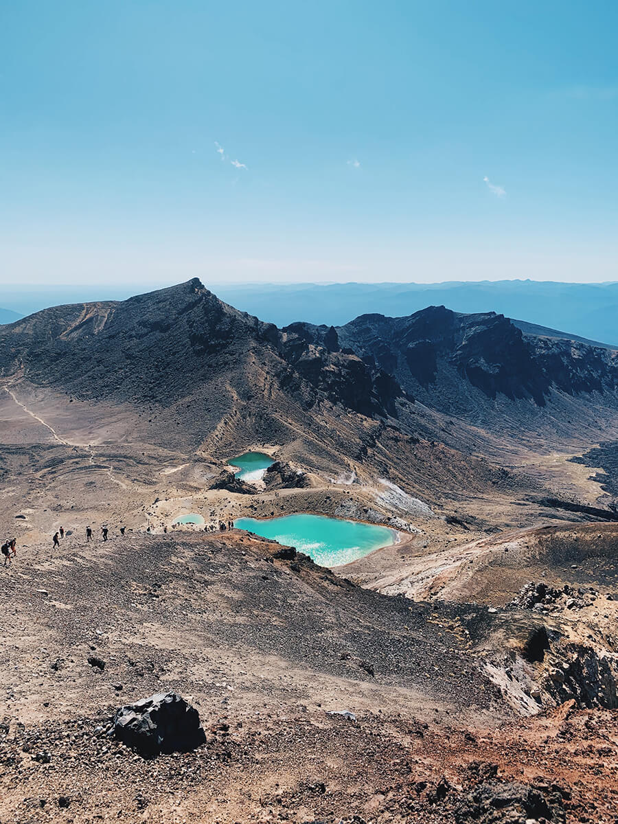 places-you-have-to-visit-in-the-north-island-of-new-zealand-tongariro-alpine-crossing