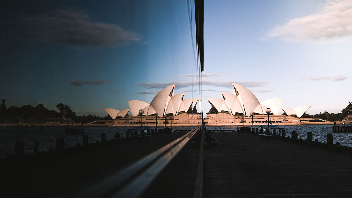 best-10-places-you-have-to-visit-in-sydney-australia-sydney-opera-house-reflection