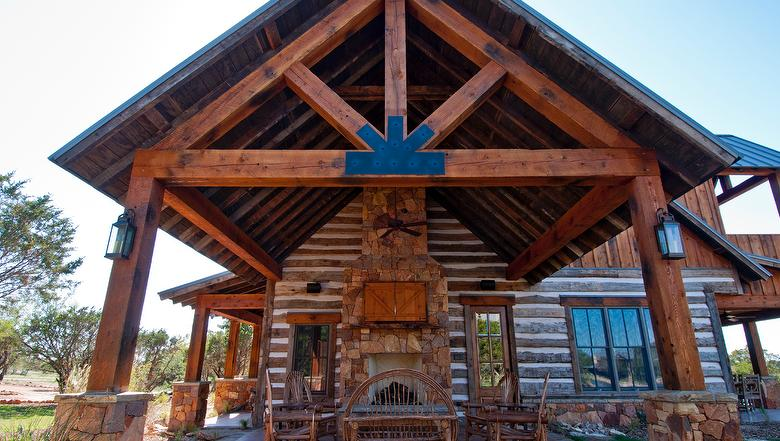 Cabin built with Timber and Lumber from Valencia Lumber