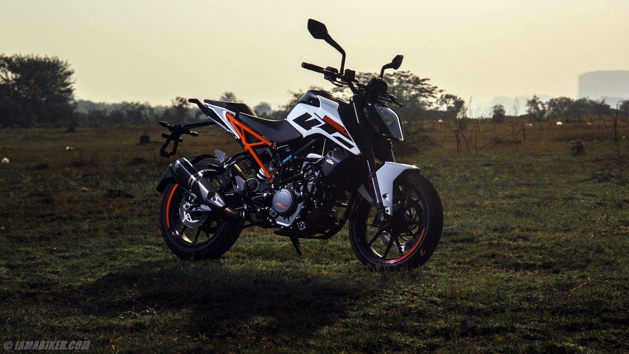 White Wallpaper Ktm Duke 125