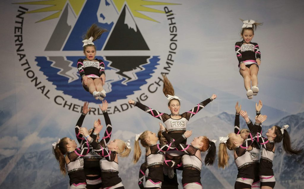 cheerleading top10 extreme sports