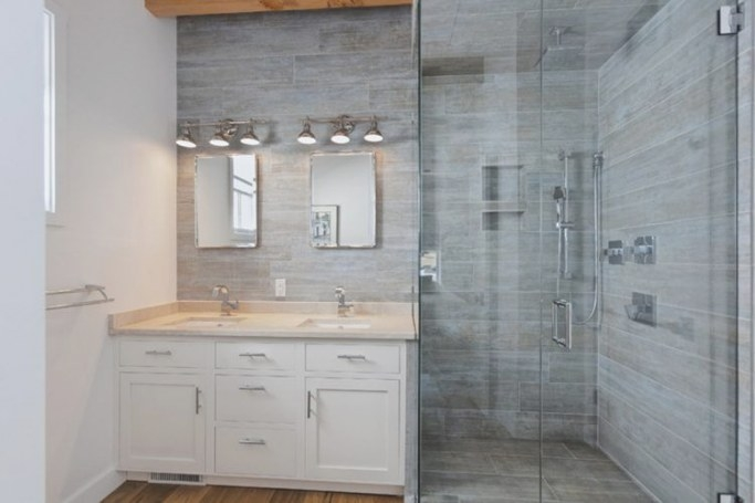 20 Amazing Bathrooms With Wood-Like Tile with Wood Look Tile In Bathroom