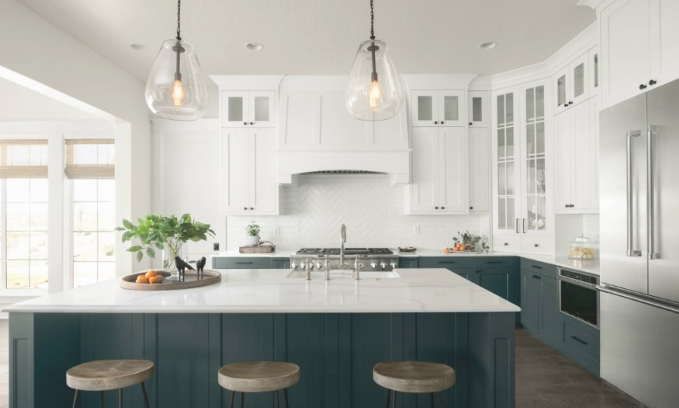 23+ Two-Tone Kitchen Cabinets That Will Take Off In 2019 in Teal And Gray Kitchen