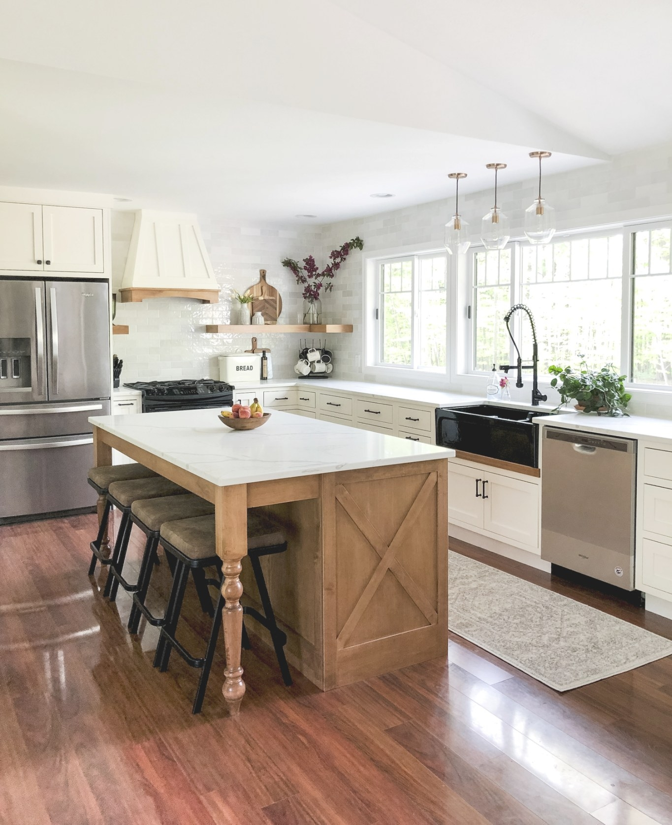 Designing A Modern Farmhouse Kitchen With A Black for Small Modern Farmhouse Kitchen