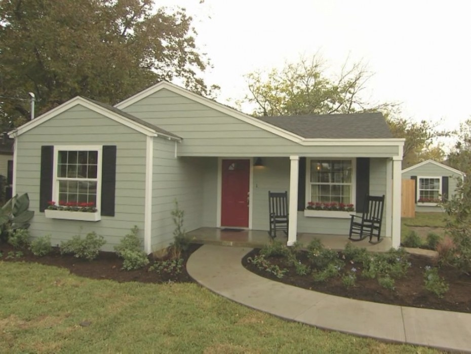 """Exteriorfixer Upper Finds !! The Exterior Is """"Oyster Bay pertaining to Sherwin Williams Oyster Bay"""