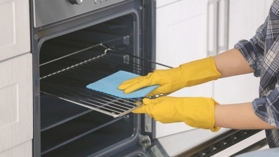 How To Clean Ovens - How To Clean Your Ovens And Oven within How To Clean Oven Racks