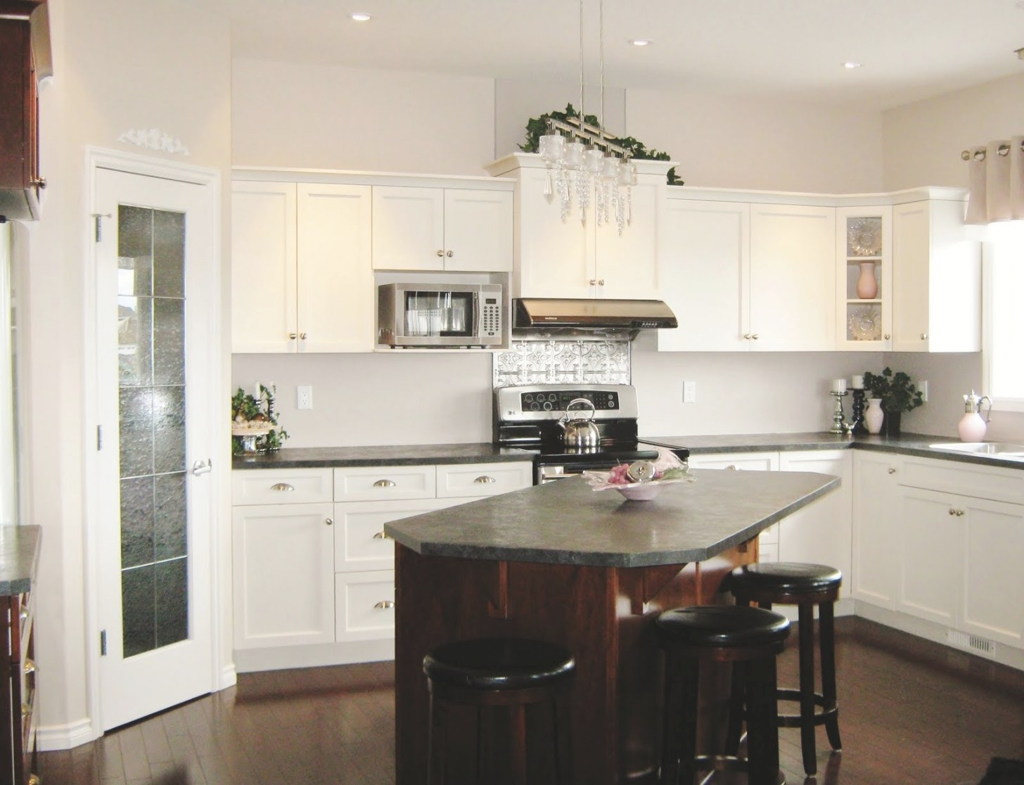How To Create A Stylish Kitchen In A Small Space - Aspire intended for Image Of Small Kitchen