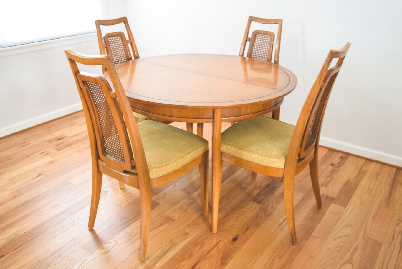 Mid Century Dining Table And Chairs Modern Dining Set with Mid Century Modern Dining Set