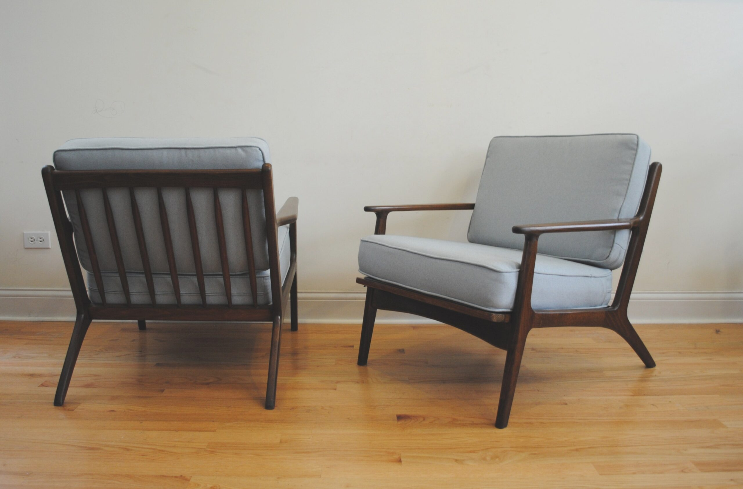 Mid Century Modern Lounge Chairs | Phylum Furniture in Mid Century Modern Recliner