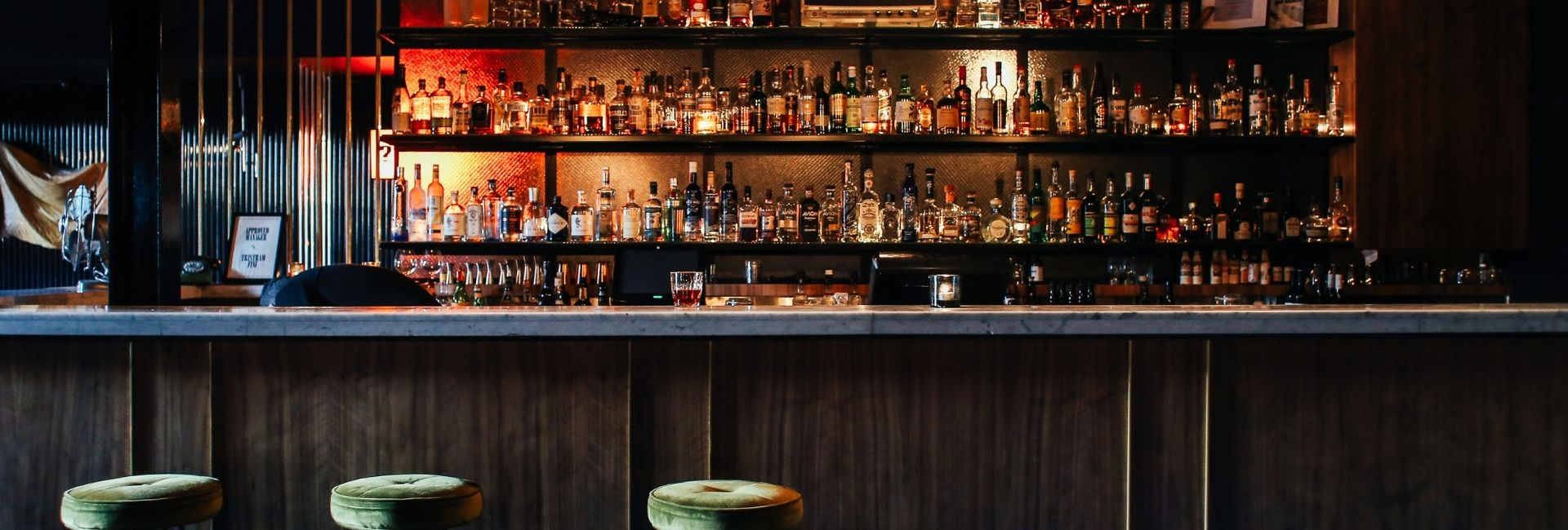 How to order whiskey at a bar?