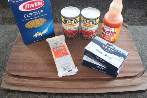 ingredients for buffalo macaroni and cheese
