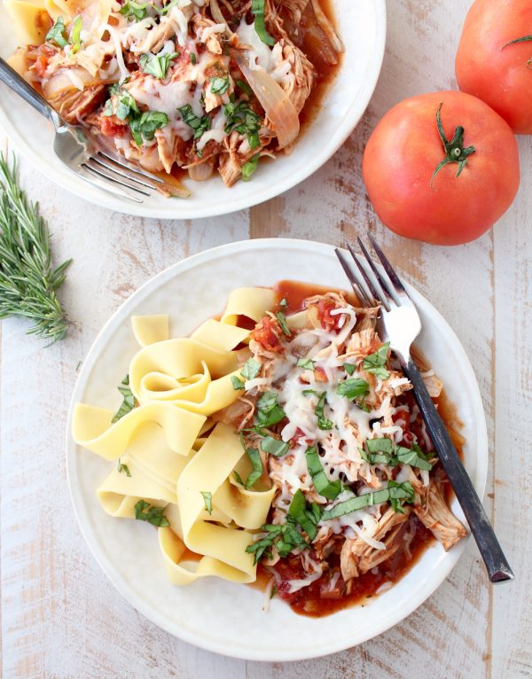 This easy slow cooker recipe for Chicken Ragu takes only 10 minutes to prep, then slow cooks all day for a delicious dinner!
