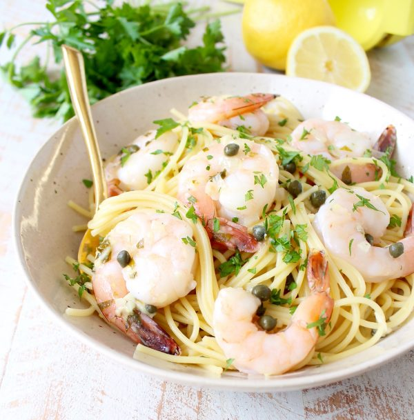 In just one pot and 20 minutes, whip up this delicious shrimp piccata pasta cooked in a scrumptious lemony, garlic, white wine sauce!
