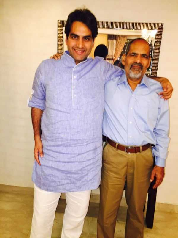 This image has an empty alt attribute; its file name is Sudhir-Chaudhary-With-His-Father.jpg