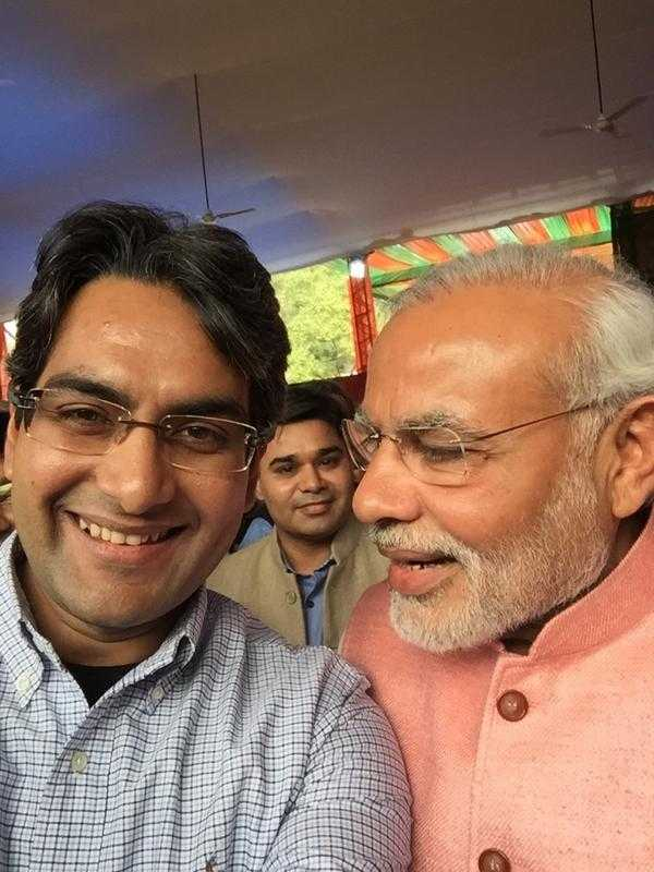 This image has an empty alt attribute; its file name is Sudhir-Chaudhary-with-narendra-Modi.jpg