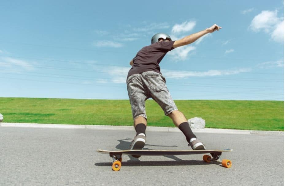 7 Best Longboards- Selection Criteria and more