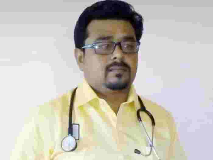 Ahmednagar News doctor committed suicide at the vaccination center