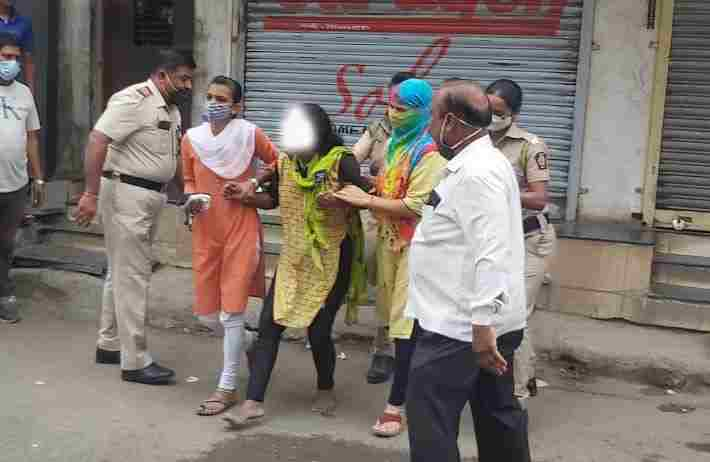 Radha of a drunken woman for two hours in Sangamner