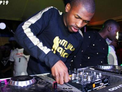 Mr Thela – Soundless Melodies