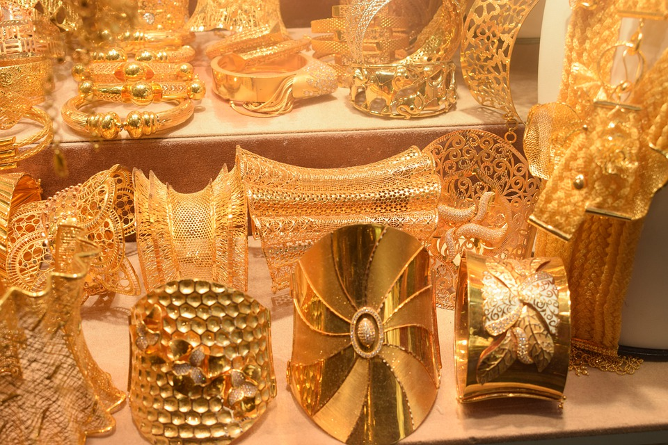 gold-jewelry-indian