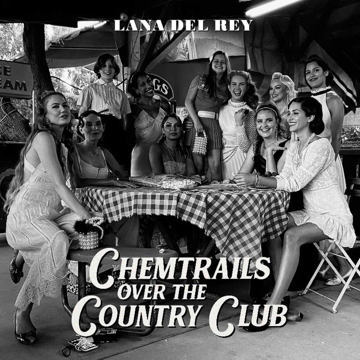 testo chemtrails over the country club lana del rey