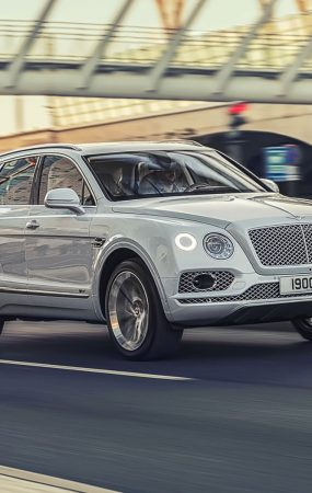 Intelligent Navigation Makes Bentley Bentayga More Fuel Efficient
