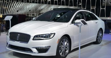 Auto Braking is Standard in 2019 Lincoln MKZ, V6 Becomes Exclusive
