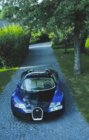Watch Bugatti Veyron Testing Top Speed on Autobahn