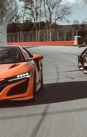 Acura NSX Beats GT3 Evo in 0-60, But it Loses in Lap Time