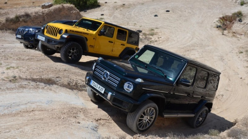 Jeep Wrangler Loses to Mercedes G-Class and Toyota Land Cruiser in Off-Road Comparison