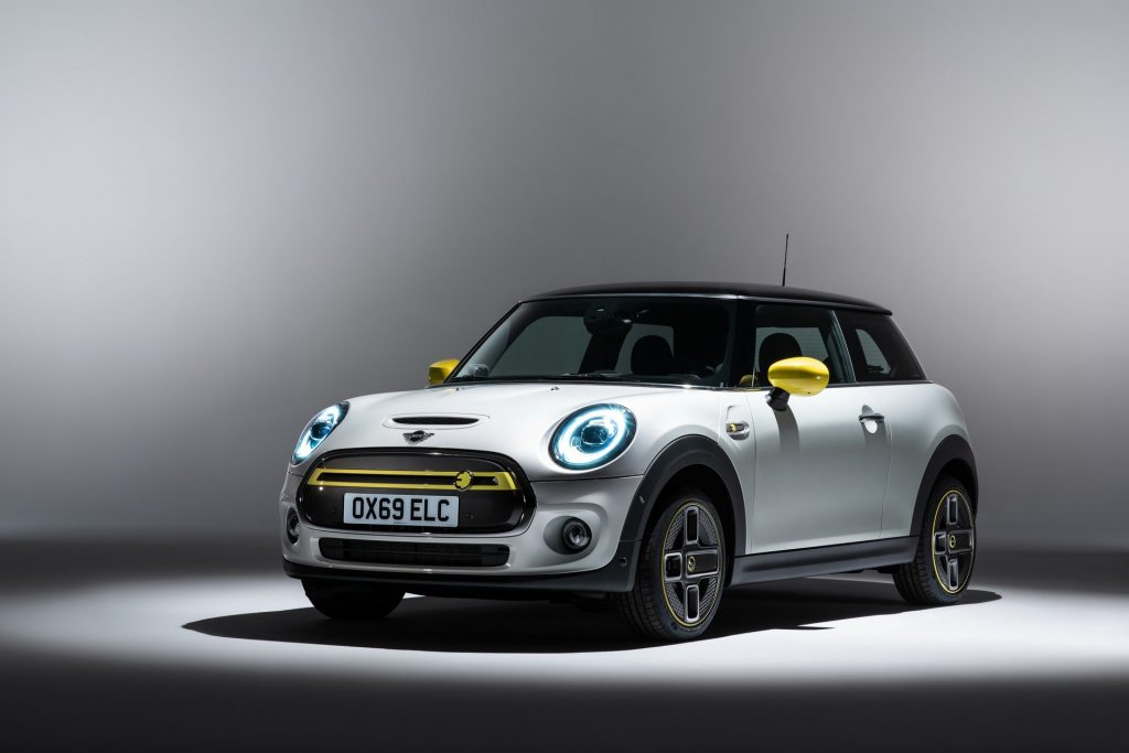 Mini Cooper SE Electric Car Already Wanted by 45K Buyers