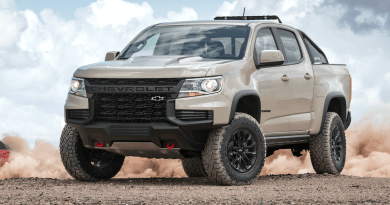 2021 Chevrolet Colorado ZR2: Brutal at the Front, Classic at the Rear