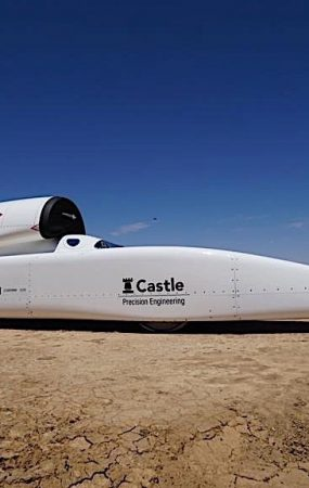 This Rocket-Like Car Clocks 537 KPH Without Much Effort