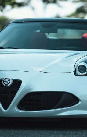 Alfa Romeo 4C Still Dying After All