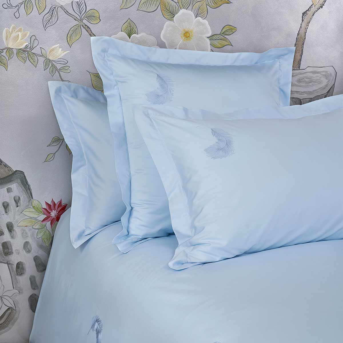 Feather Pair of Pillow Shams