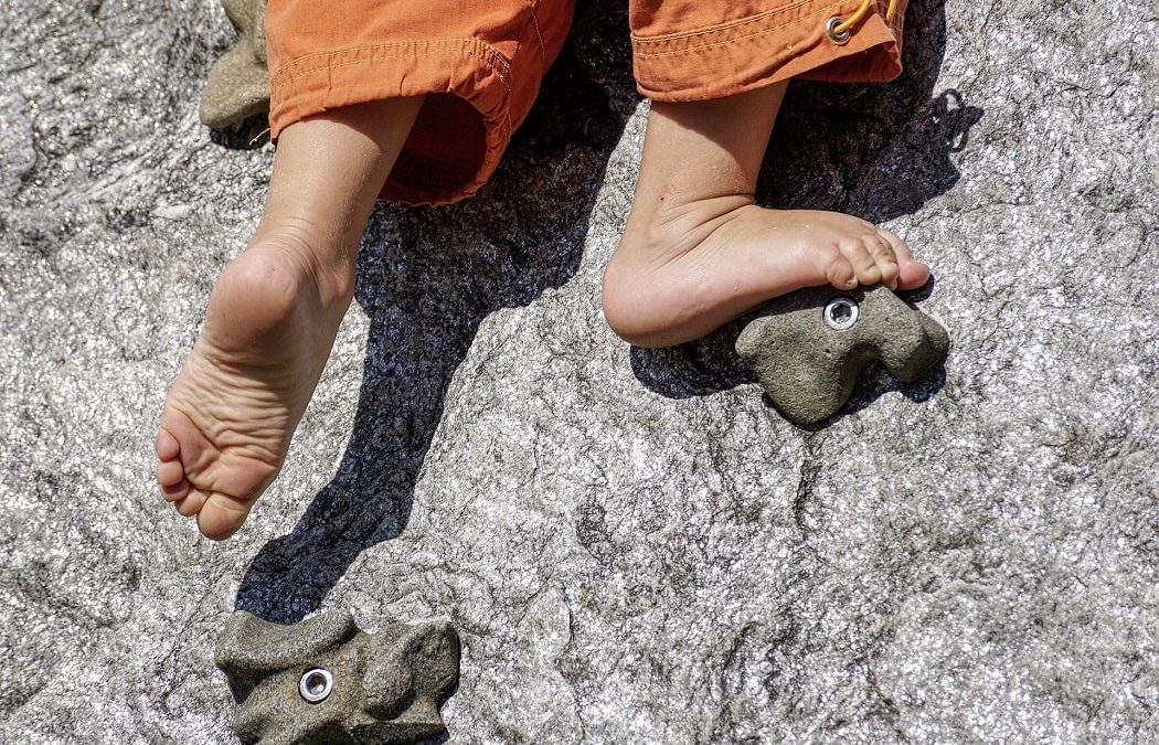 Barefoot Climbing: Time to ditch the shoes?