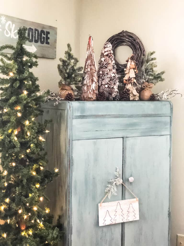 Rustic Christmas Decorations Cottage On Bunker Hill