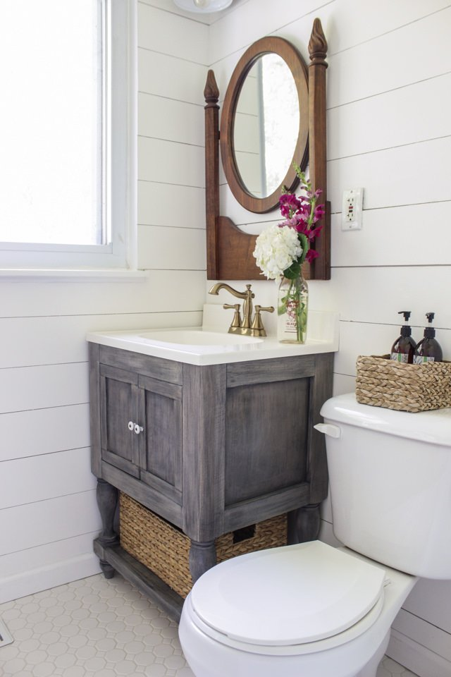 Small Space Decorating Ideas Bathrooms