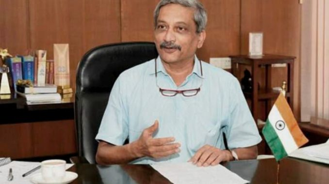 Congress takes pot shots at Parrikar's remark