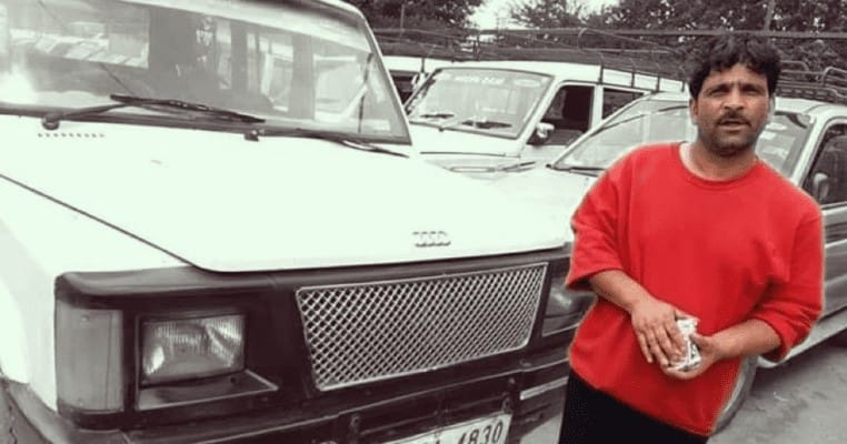 Kashmiri cab driver returns tourist's bag with lakhs worth of cash & gold - DIGPU