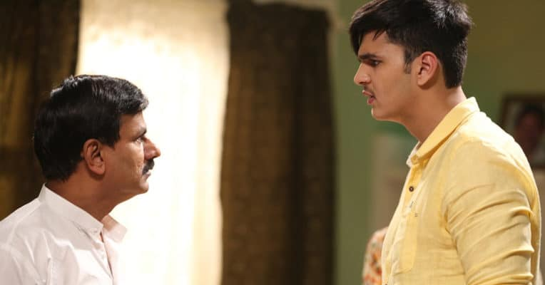 Actor Bhavesh Kumar beats Amitabh Bachchan and becomes the tallest actor in the Bollywood - Digpu