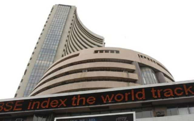 Equity gauges flat on global cues, private banks suffer losses
