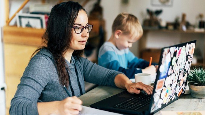 Digpu Opinion - Managing Family And Work As A Work At Work Mom WAHM