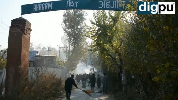 Indian Army organizes cleanliness drive in Ahagam village in south Kashmir - Digpu News